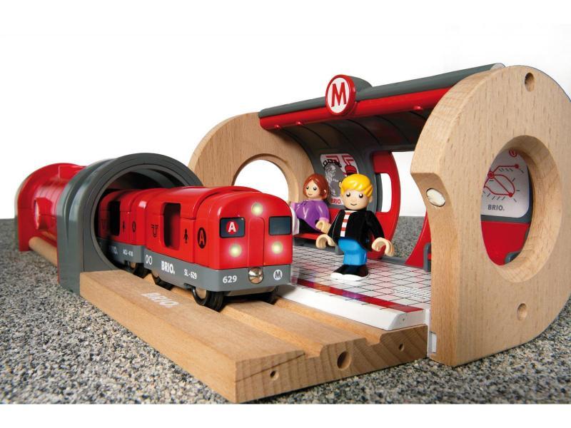 brio metro railway set 33513 table mountain toys. Black Bedroom Furniture Sets. Home Design Ideas