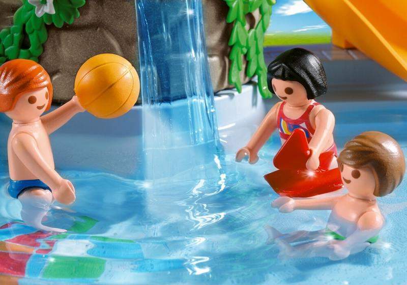 Playmobil pool with water slide 4858 table mountain toys for Piscine playmobil